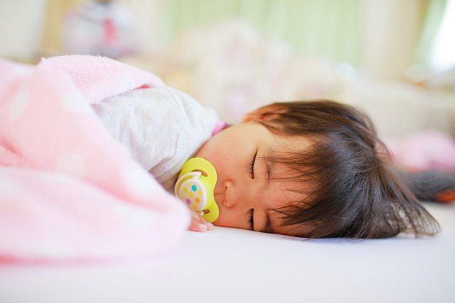 赤ちゃん うたた寝