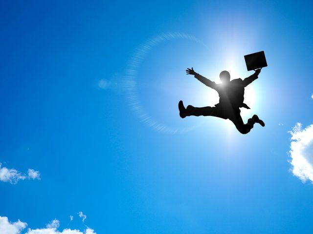 飛び跳ねる会社員