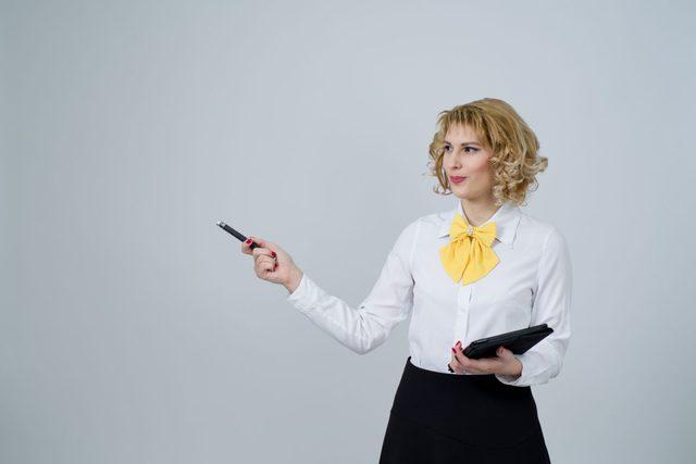 女性 講師