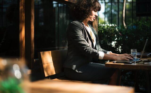 女性の平均年収を発表!20代〜40代年収や職種・企業別ランキング ...