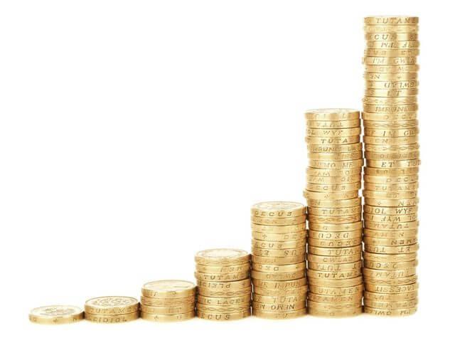 5人家族の平均生活費は?就学状況別の世帯年収・貯金額まとめ   お金のカタチ